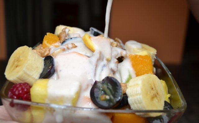 Fruit Salad with yogurt cropt